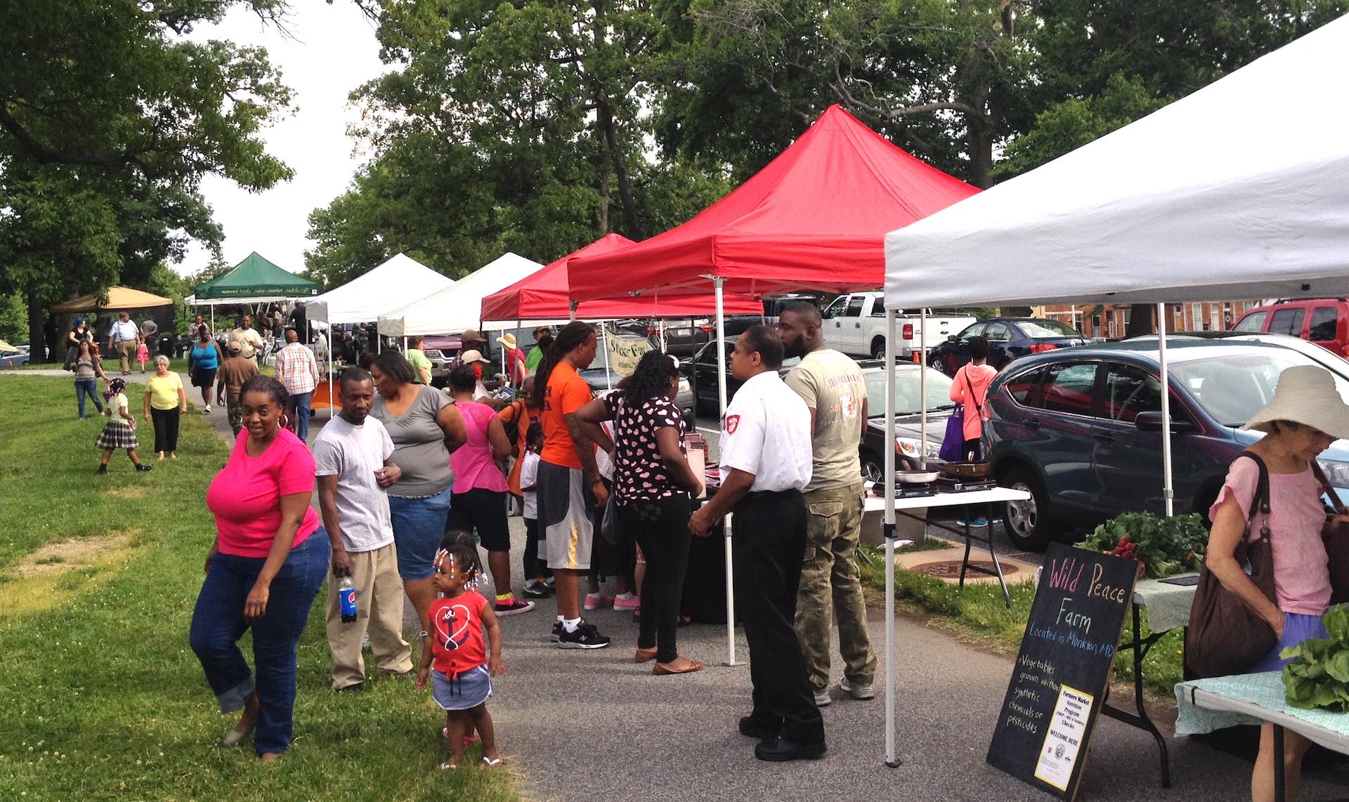 Druid Hill Farmers Market - crowd